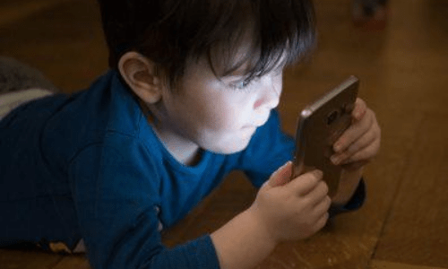 Obiad bez smartfona. Multimedia w wychowaniu.