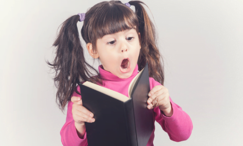 Ryzyko dysleksji – jakie są symptomy i jak wspomagać dziecko na zajęciach przedszkolnych i wczesnoszkolnych